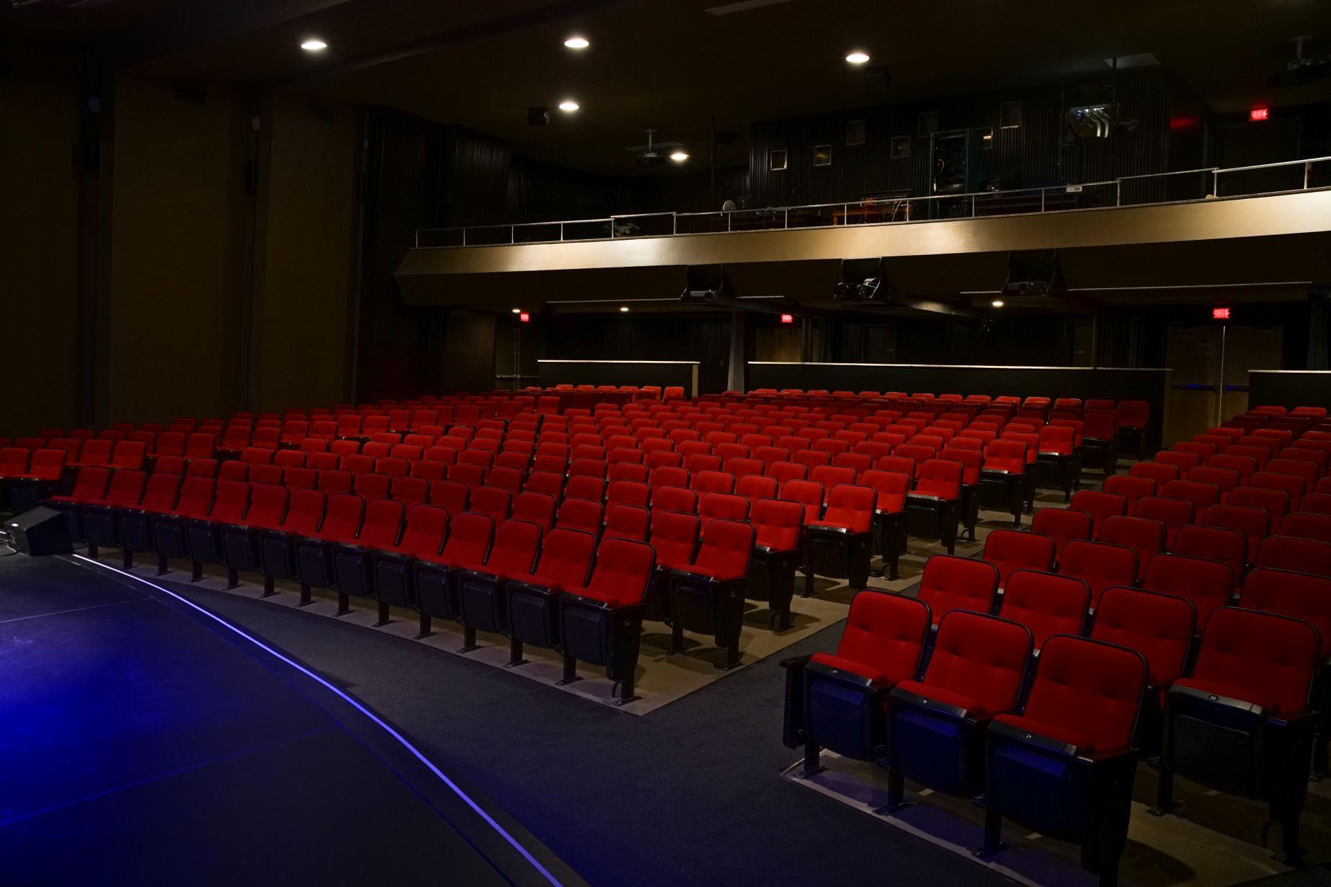 Alsq salles du c gep garneau auditorium cegep garneau for Design d interieur cegep garneau